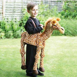 Travis-Designs-Ride-on-giraffe-verkleedpak-1-1-510x600