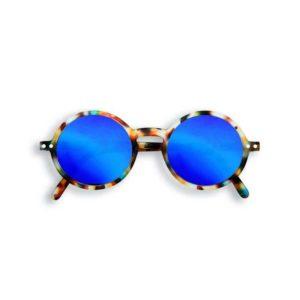 wijs west wijswest online shoppen winkel amsterdam speelgoed Izipizi JSLMSGC30_00 Accessoires 3701210401966 Izipizi Zonnebril Junior #G Blue Tortoise Mirror