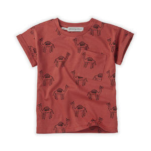 Wijs west Sproet & Sprout Sproet & Sprout T-shirt Camel Cherry Red 1138187050279 SS21 Sproet Kleding & Accessoires Shirts T-shirts